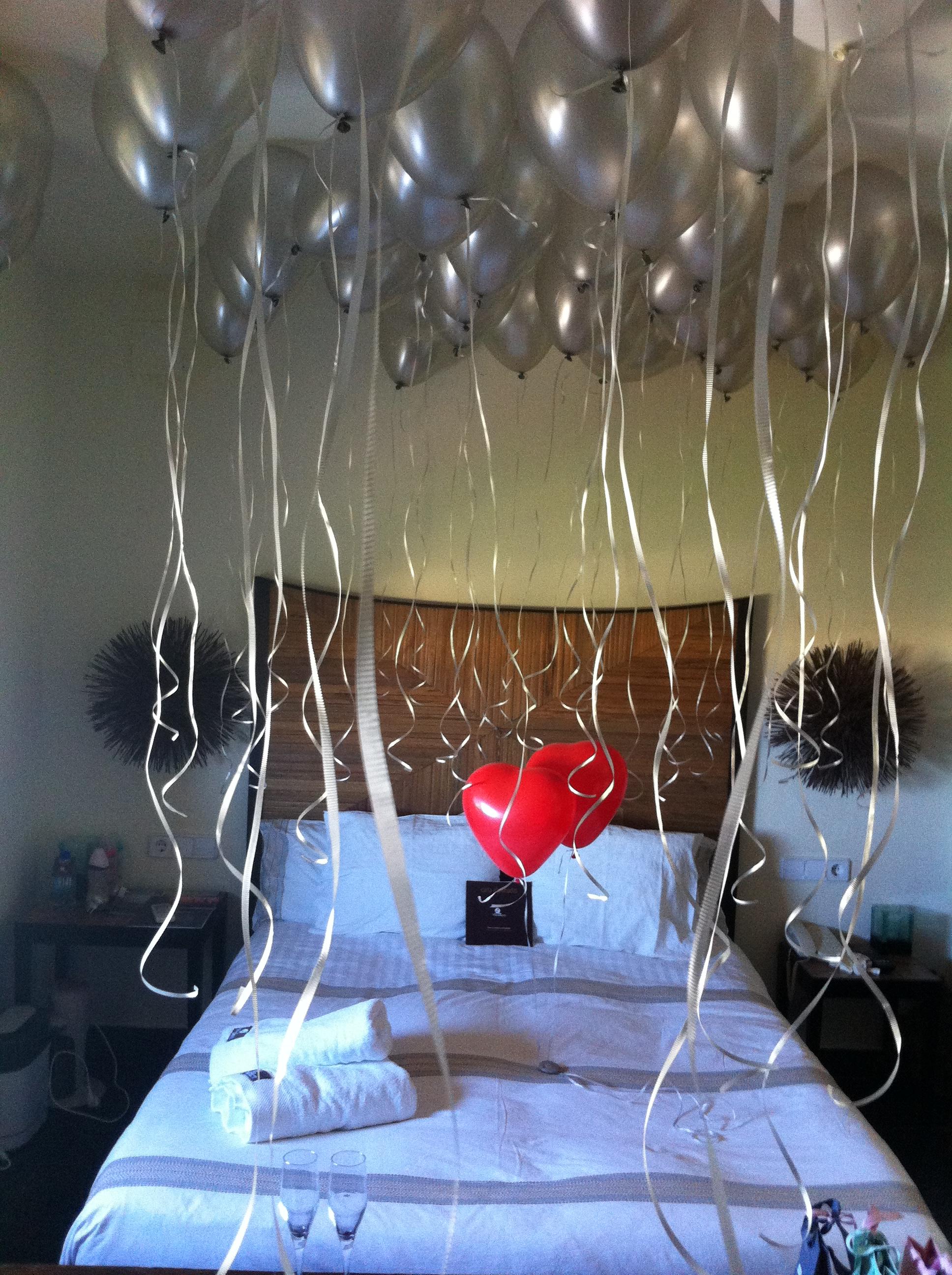 Decoración y suelta de globos